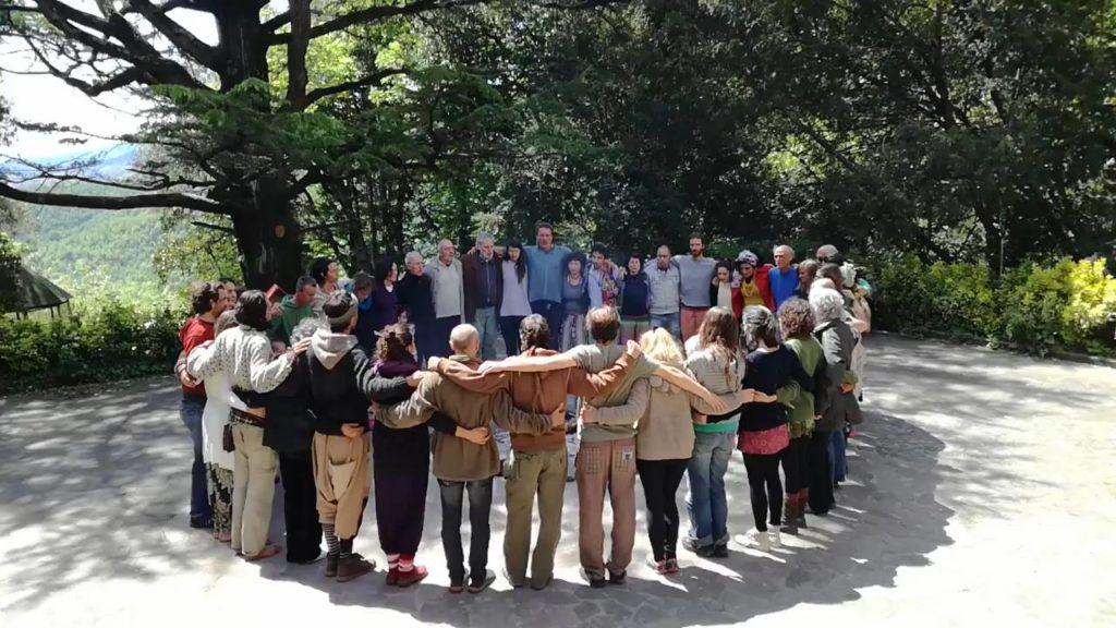 Fare comunità per cambiare il mondo - Comune-info