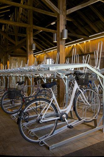 3031937-slide-s-bike-hotel-06