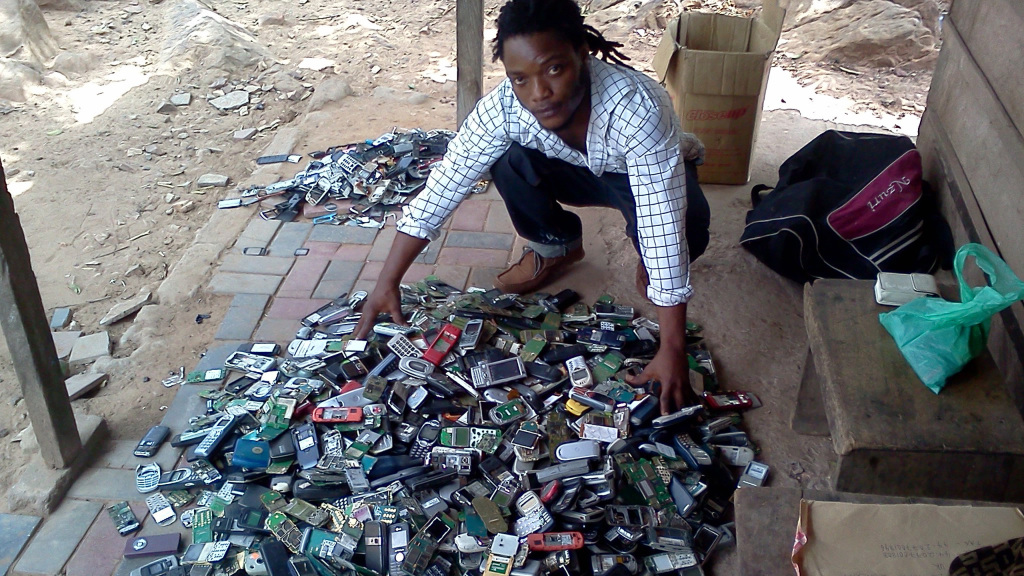 fairphone-recycling-ghana