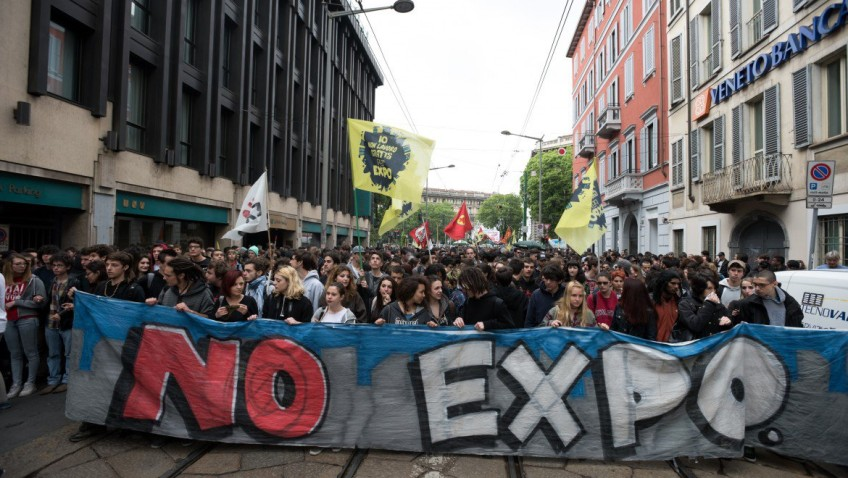 30aoc1f02-expo-manif-848x478