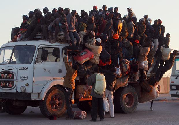 libya-refugees_1876005i