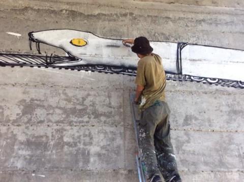 Blu-a-lavoro-sul-nuovo-murale-di-Chiomonte-3-480x358