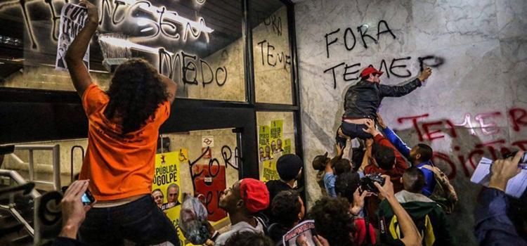 Risultati immagini per brasile tra ricchezza e povertà
