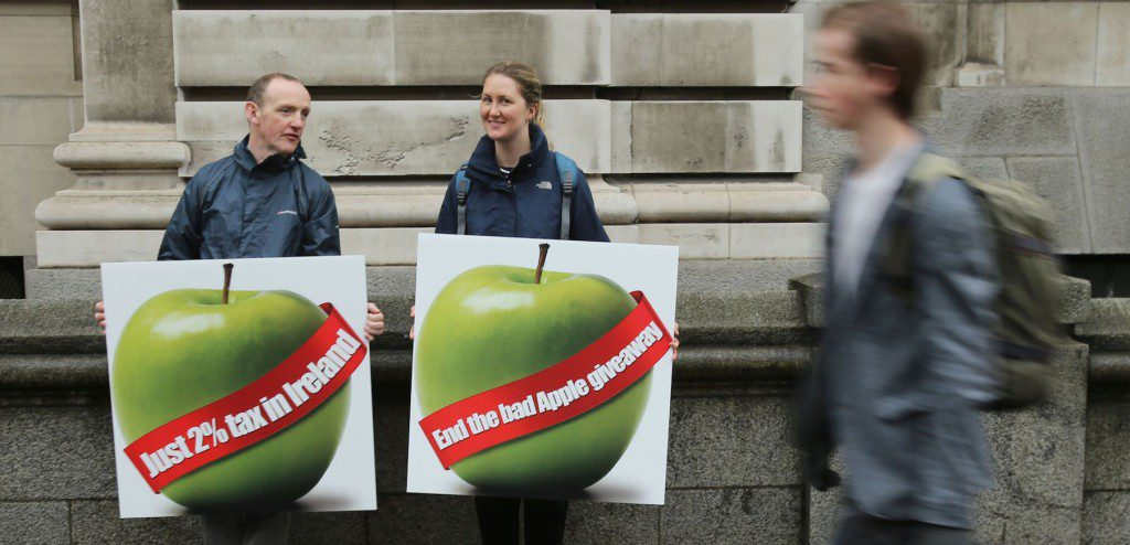 apple-protest-1024x494
