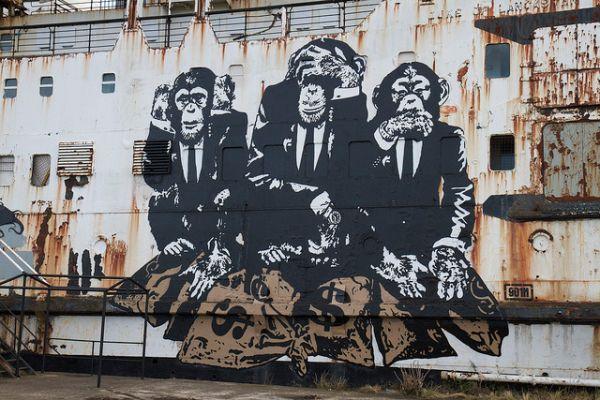 duke-of-lancaster-fun-ship-graffiti