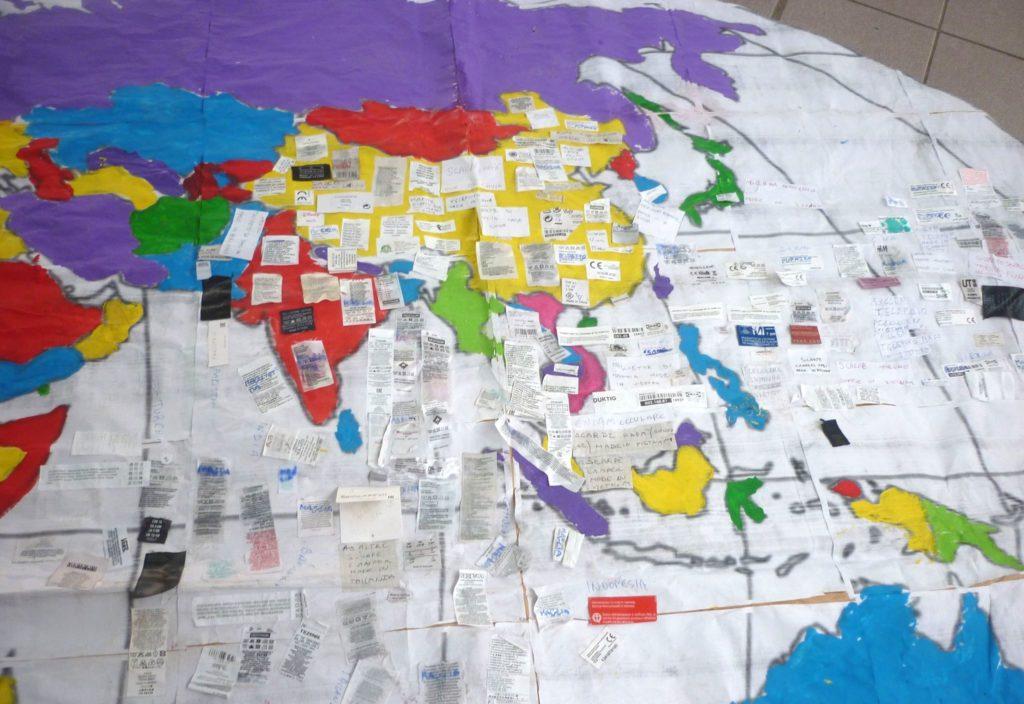 Cartina Geografica Del Mondo In Bianco E Nero.Abbiamo Creato Un Mondo Nuovo Comune Info