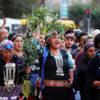 6 de Abril de 2016/SANTIAGO  Se realizo una concentración en repudio a los montajes y criminalización del pueblo mapuche en Santiago. Esto principalmente debido al violento operativo del 30 de marzo, donde una machi y 10 comuneros fueron detenidos y formalizados en el marco del Caso Luchsinger Mckay.   FOTO: FELIPE GUARDA/AGENCIAUNO